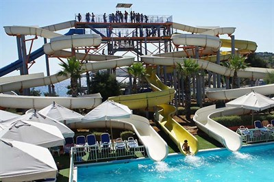 Enjoy A Day Of Water Based Fun At The Splash Fun Water Park