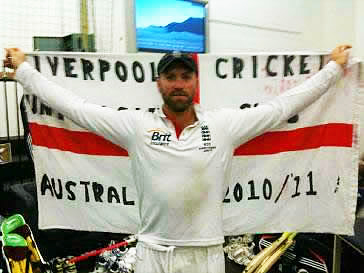 Matt Prior With Liverpool Uni Flag After Boxing Day Test At MCG