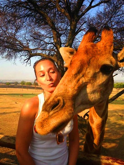 Netball Tour To South Africa Photo with a Giraffe